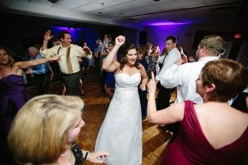 LaurenRobWedd-bridedancing