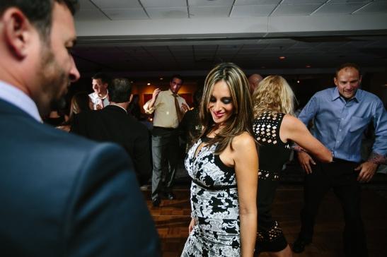LaurenRobWedd-hotchick-dancing1